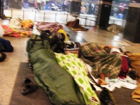 ニューデリー駅のホームレス